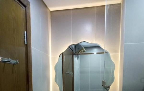 Gương vệ sinh phòng tắm
