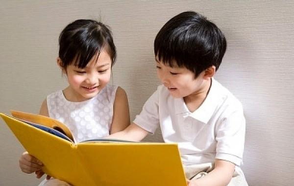 Đèn bàn chống cận tại sao lại cần thiết cho quá trình học tập của trẻ