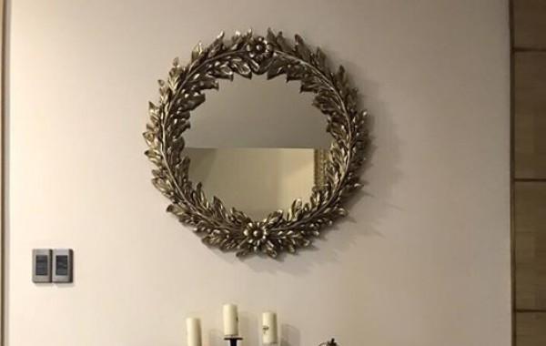 Nhà đẹp lung linh với gương trang trí