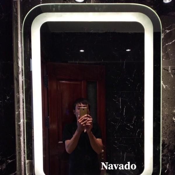Gương đèn led phòng tắm NAV 1010C