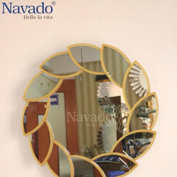 Gương Lacos trang trí phòng khách