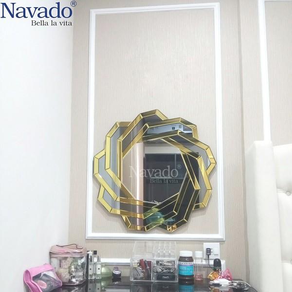 Gương trang điểm Spider hiện đại