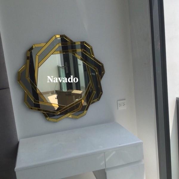 Gương treo trang điểm Spider