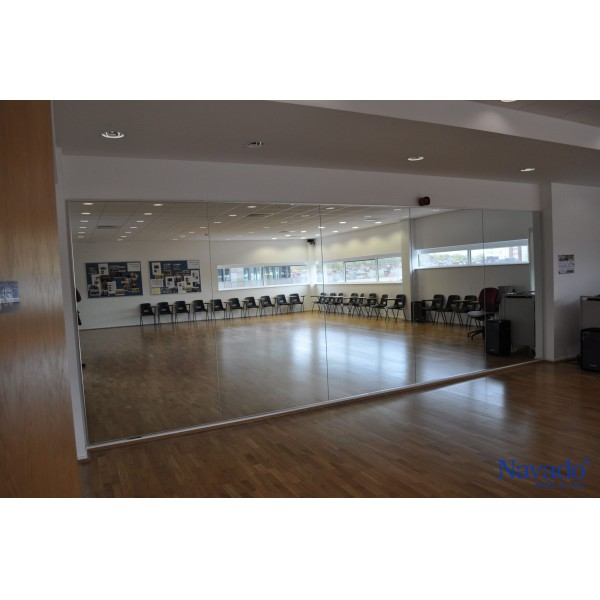 Gương cho phòng tập gym