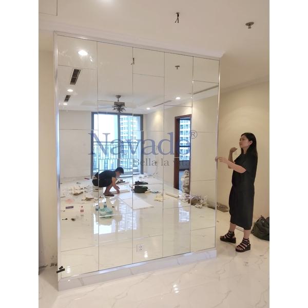 Gương ghép trang trí phòng khách Navado