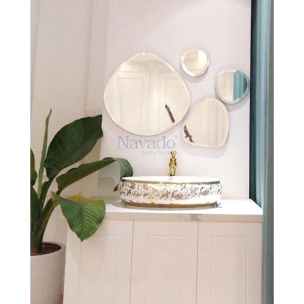 Gương ghép nghệ thuật phòng tắm