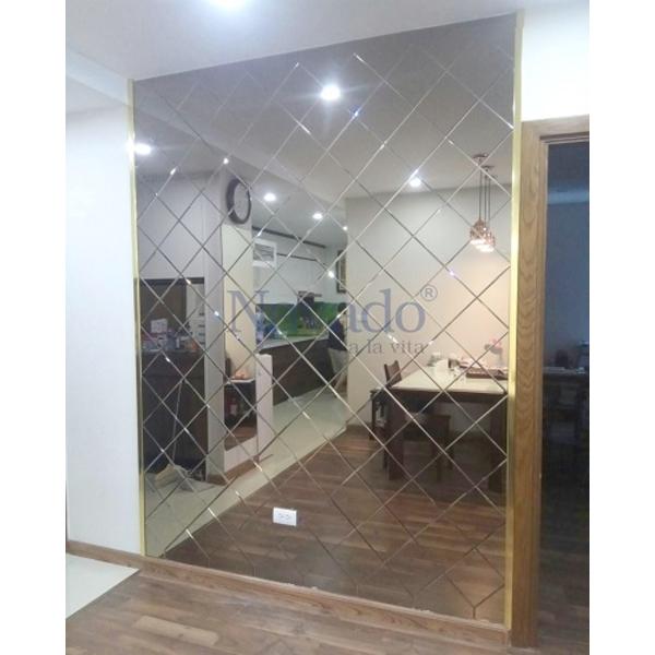 Gương trang trí dán tường phòng khách