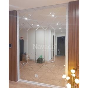 Thi công gương ghép tường phòng khách Hà Nội