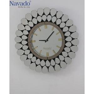 Đồng hồ treo tường hiện đại White Peacock