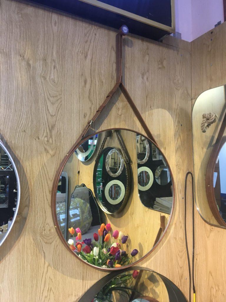 Gương trang điểm quảng ninh