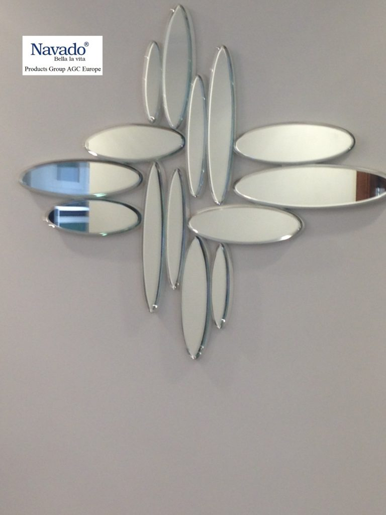 Gương trang trí tphcm ,gương trang điểm để bàn tphcm ,gương trang điểm tphcm có đèn led,gương phòng tắm tphcm, gương treo dây da tphcm, gương bỉ sài gòn ,gương bỉ tphcm, gương nghệ thuật tphcm.