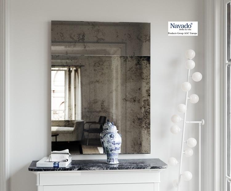 Gương màu khói cổ điển