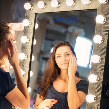 gương make up trang điểm