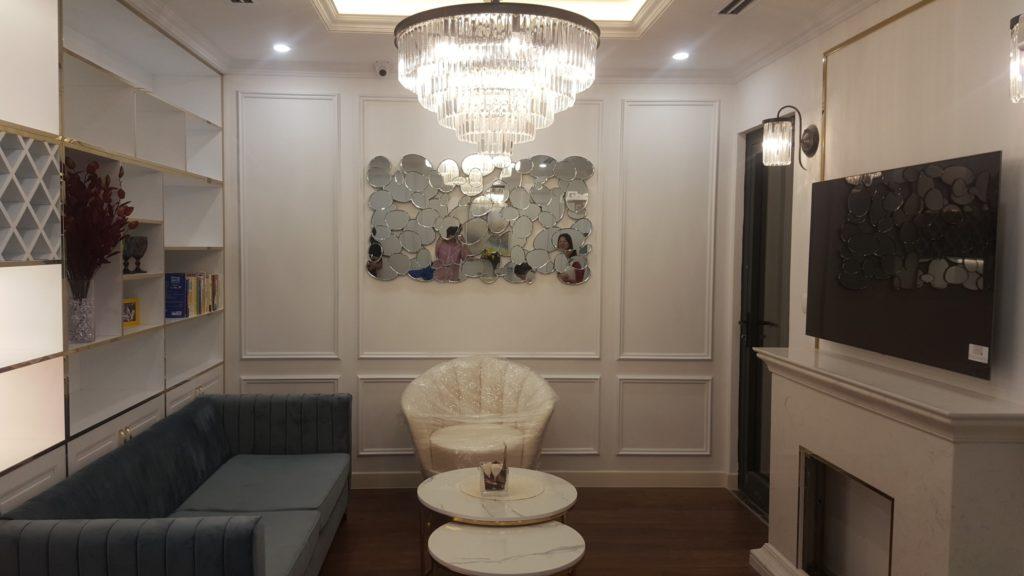 Gương trang trí phòng khách adam