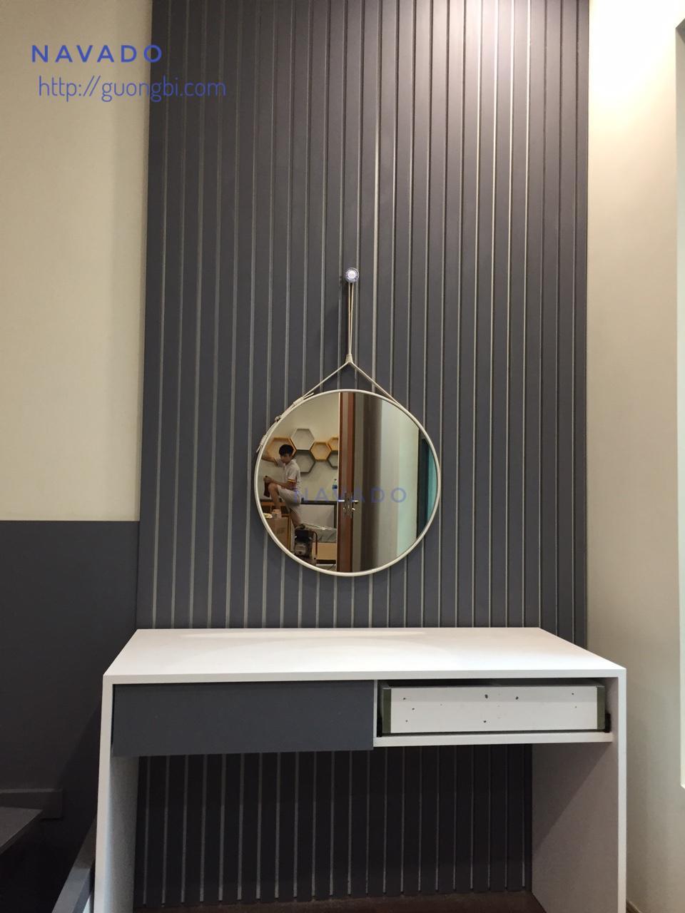 Gương tròn dây da trắng 50cm