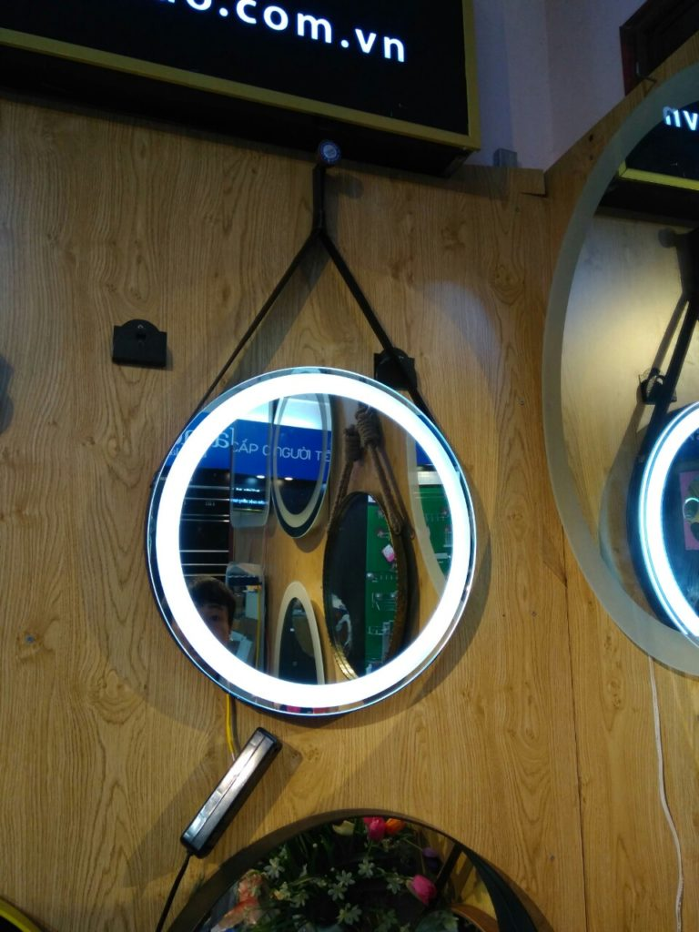 Gương tròn dây da đèn led