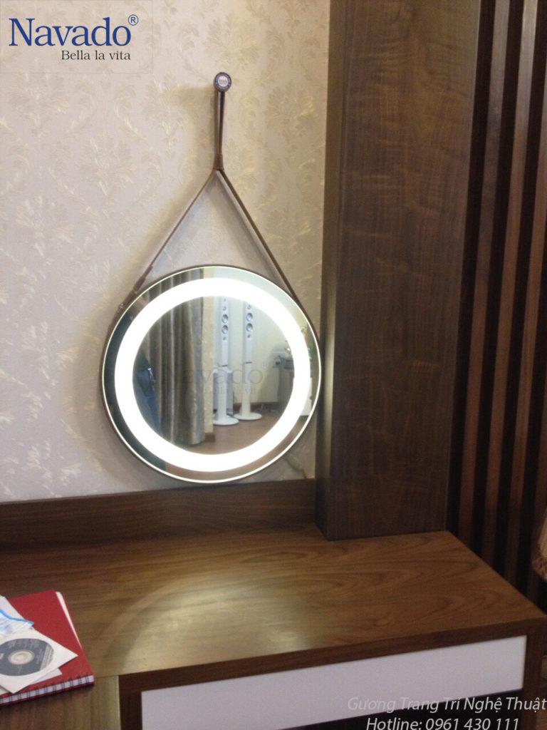 Gương treo tường bàn trang điểm độc đáo