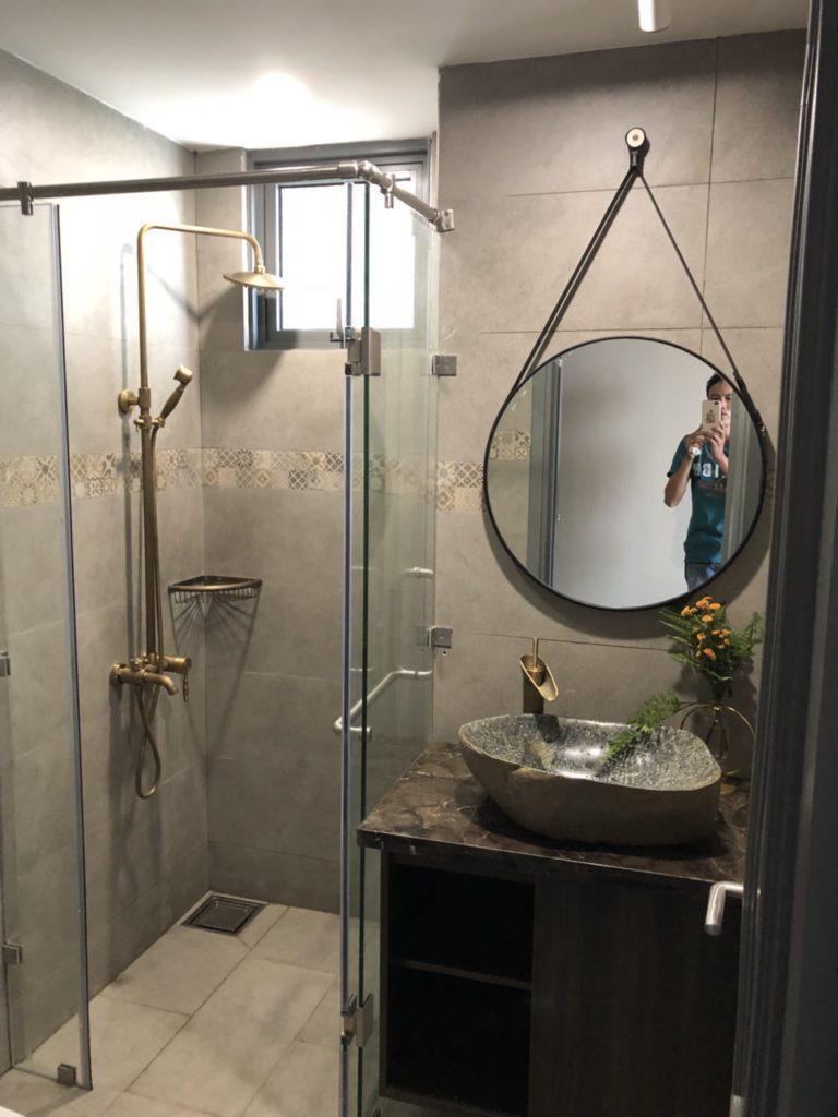 Gương phòng tắm dây da