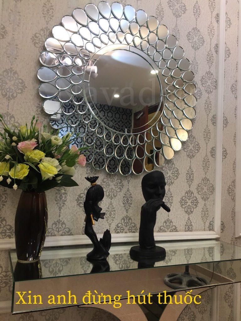 Buy decorative bedroom mirrors