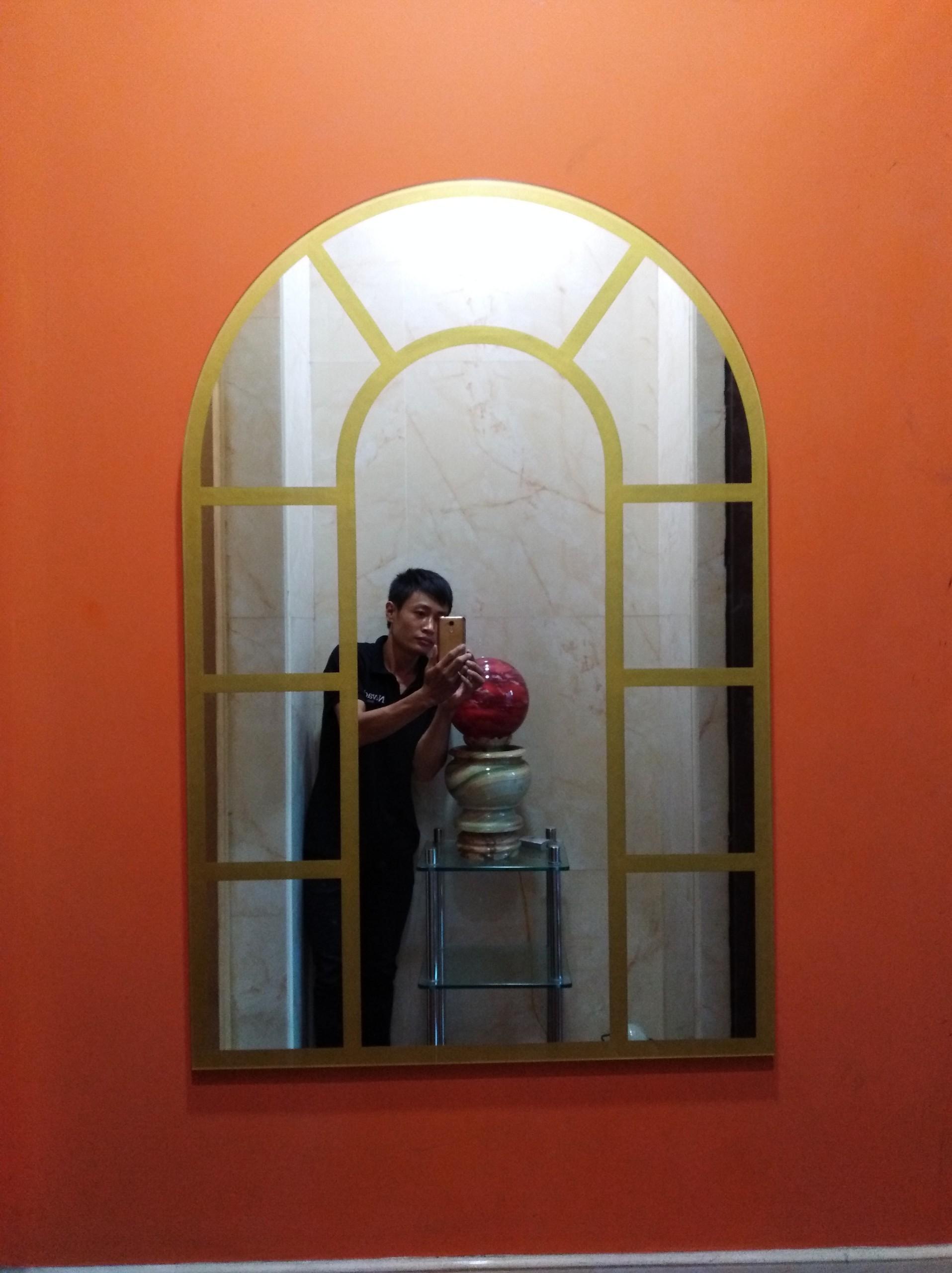 Gương decor cửa sổ