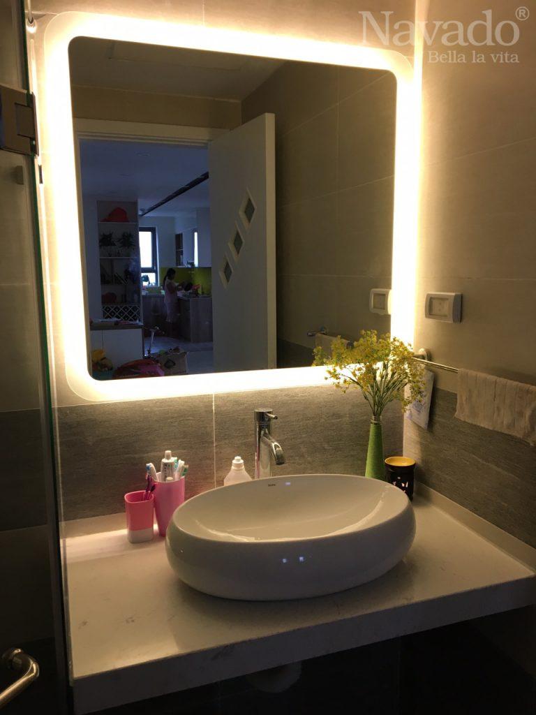 gương phòng tắm treo tường cao cấp