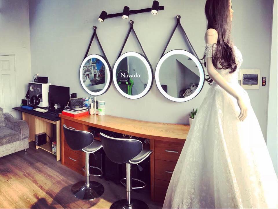 5 mẫu gương trang điểm hiện đại treo tường dành cho phái đẹp