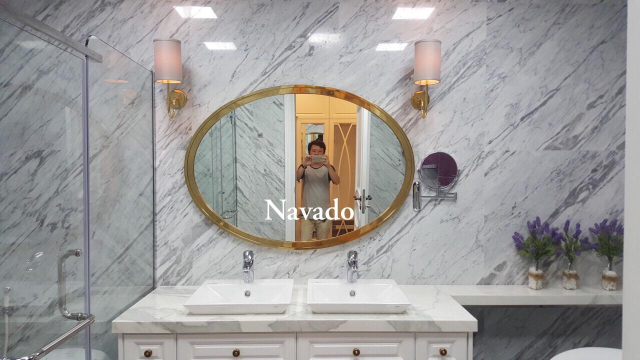 5 cách trang trí phòng tắm với gương treo tường nổi bật