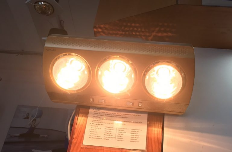 giữ ấm phòng ngủ với đèn sưởi hồng ngoại