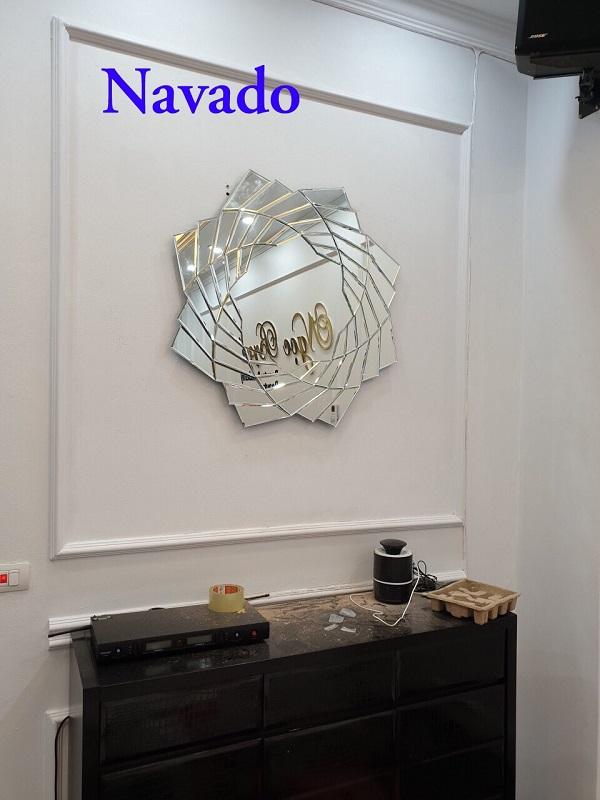 Gương trang trí phòng khách Pharaon