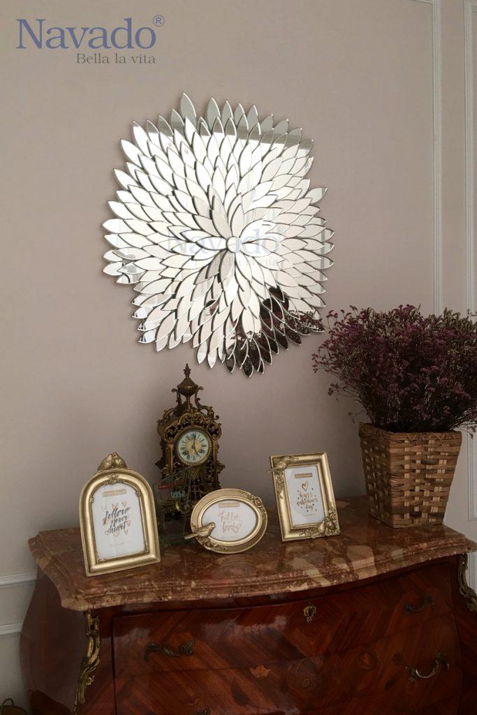 gương trang trí phòng khách đơn giản