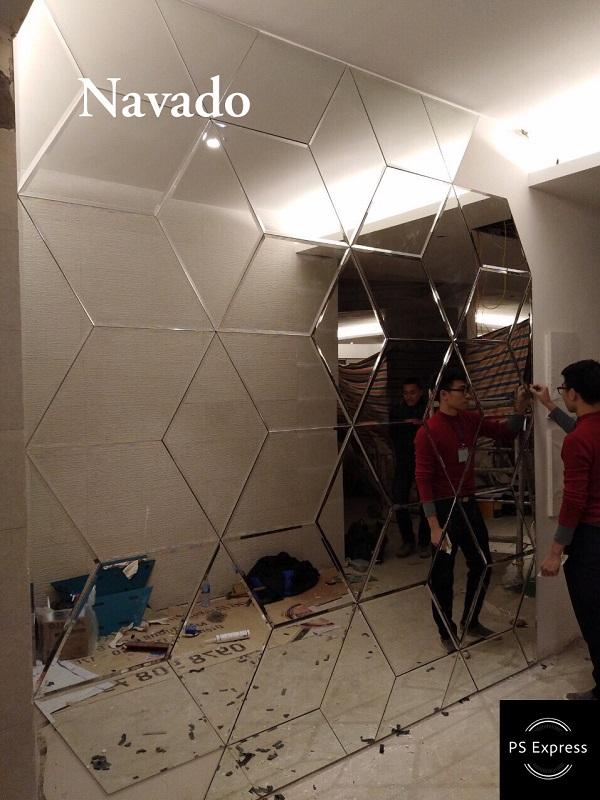 Gương ghép tường nghệ thuật 3D
