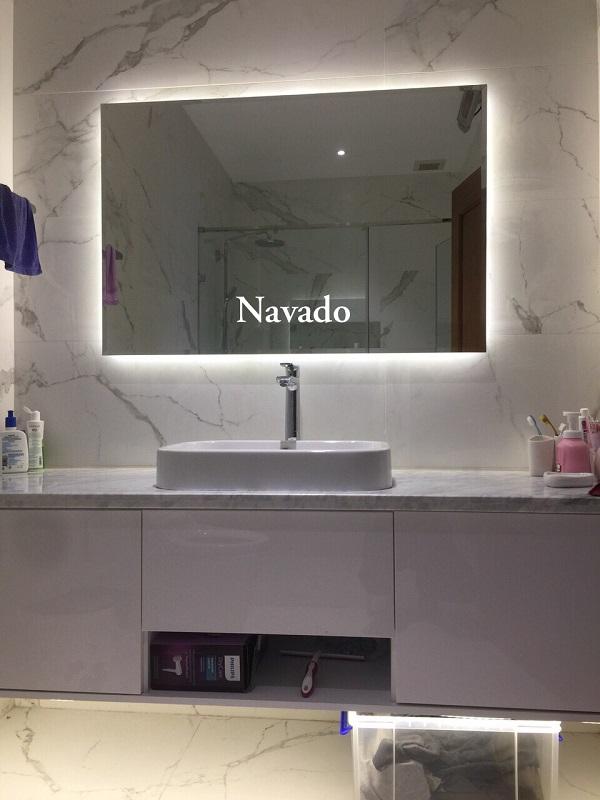 Gương nhà tắm đèn led hắt