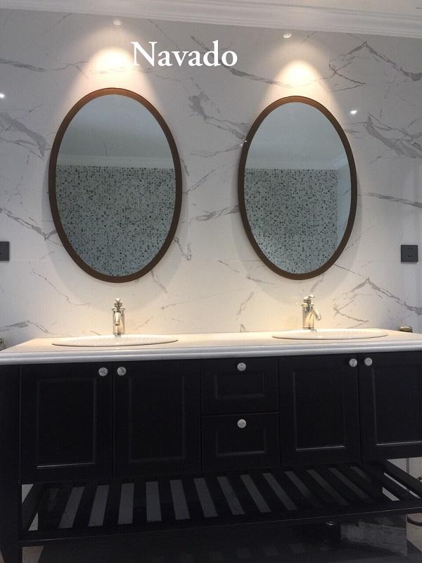 Gương phòng tắm Oval viền vàng